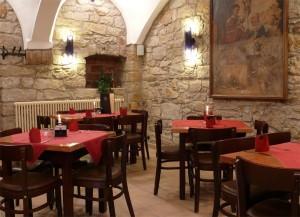 sächsische köstlichkeiten im gewölbe-restaurant / fährhaus hesse in dresden-laubegast, direkt am ufer der elbe