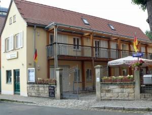 Fährhaus Hesse in Dresden-Laubegast, direkt am Ufer der Elbe