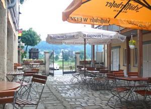 biergarten / fährhaus hesse in dresden-laubegast, direkt am ufer der elbe