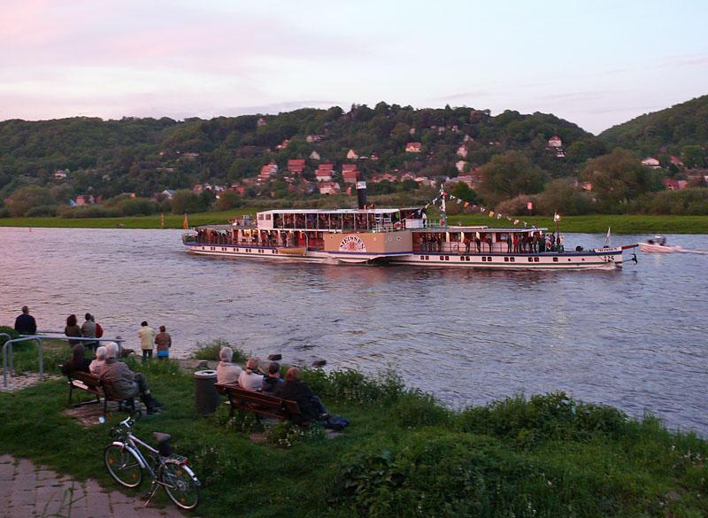 Abendstimmung / Fährhaus Hesse - Raddampfer der Sächsischen Dampfschifffahrt